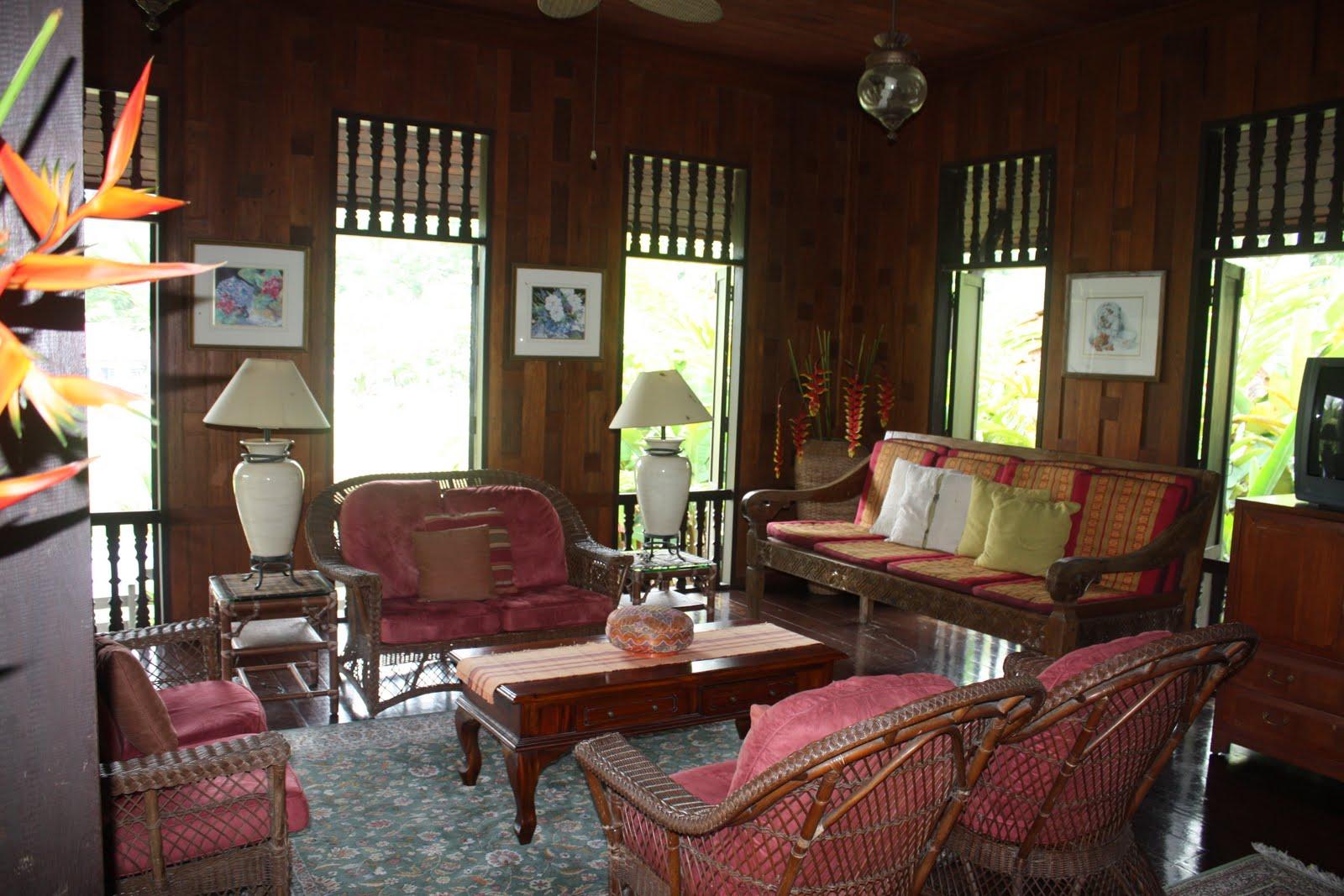 model ruang tamu minimalis dengan sentuhan kayu