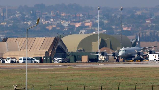 Οι Τούρκοι περικύκλωσαν τη βάση του Ιντσιρλίκ και τα αμερικανικά πυρηνικά (βίντεο)