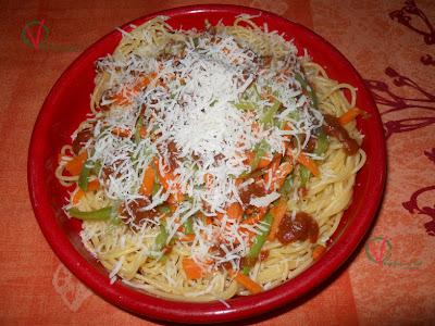 Espagueti con juliana de verduras