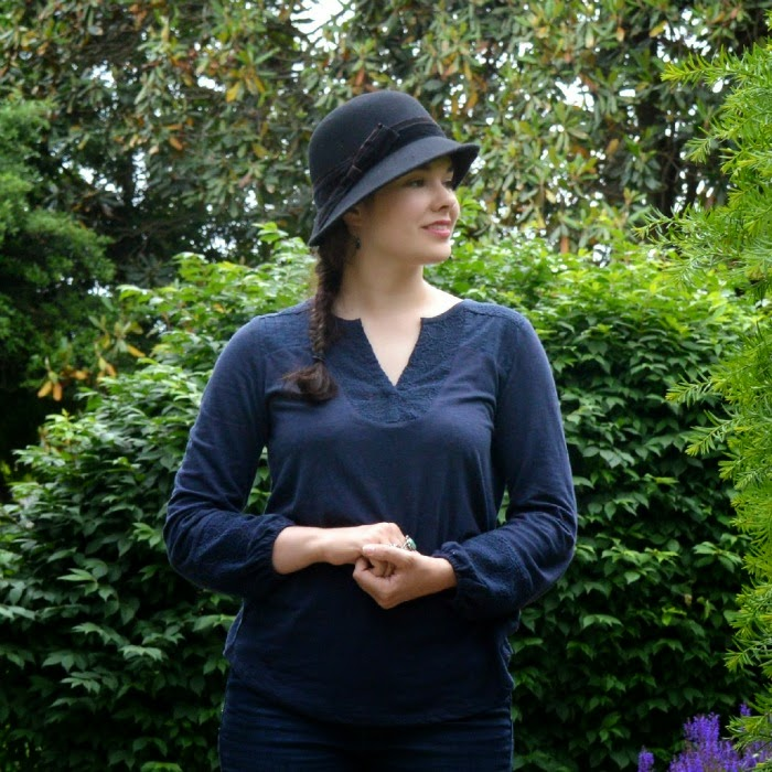 how to wear a cloche hat