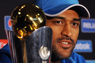 MS-Dhoni-with-Champions-Trophy-2013