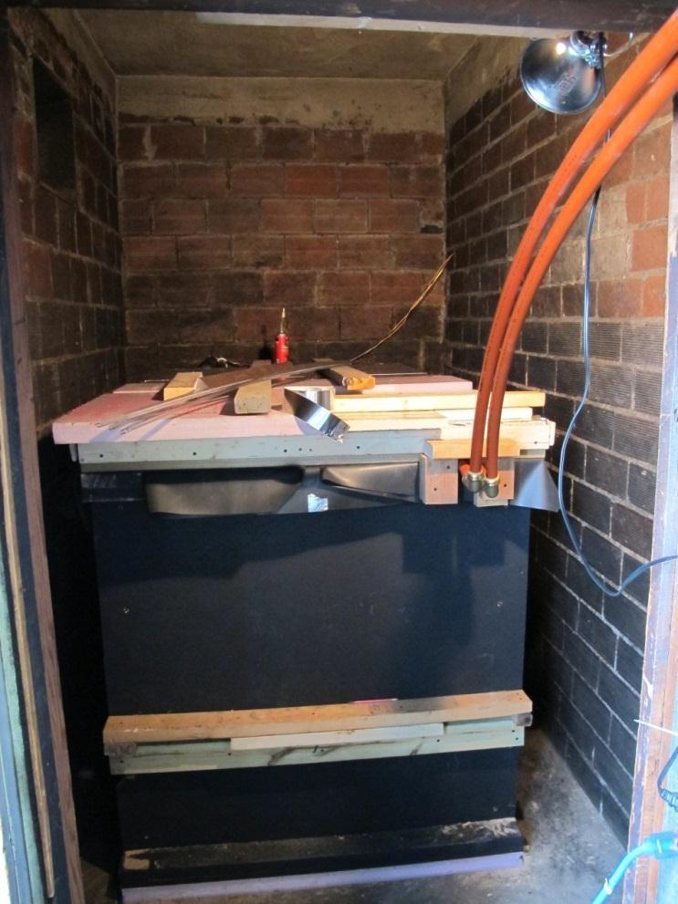 Drain back and solar heat storage tank.