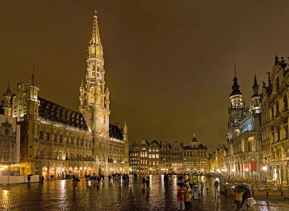 Grand Place Bruselas. Las Plazas más bonitas de Europa
