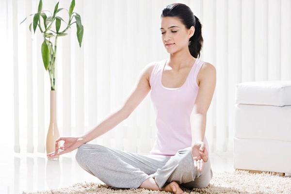 Ejercicios para relajar la mente y el cuerpo yoga - Relajar cuerpo y mente ...