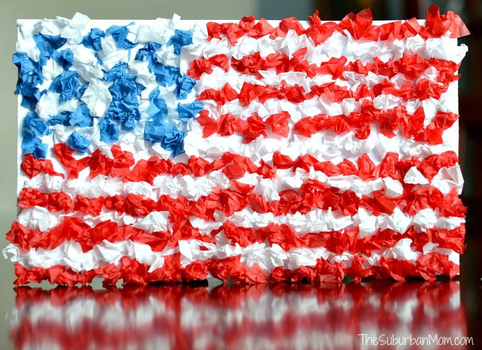 Upcycled Flag Craft | 20 Crafts for the 4th of July - Independence Day DIYs | directorjewels.com