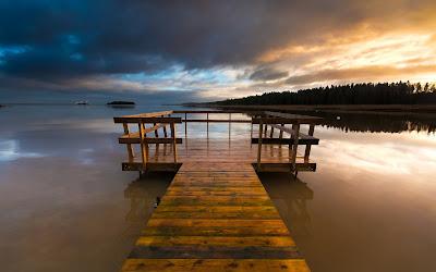Wallpaper de una hermosa vista a la playa en Varmland Suecia