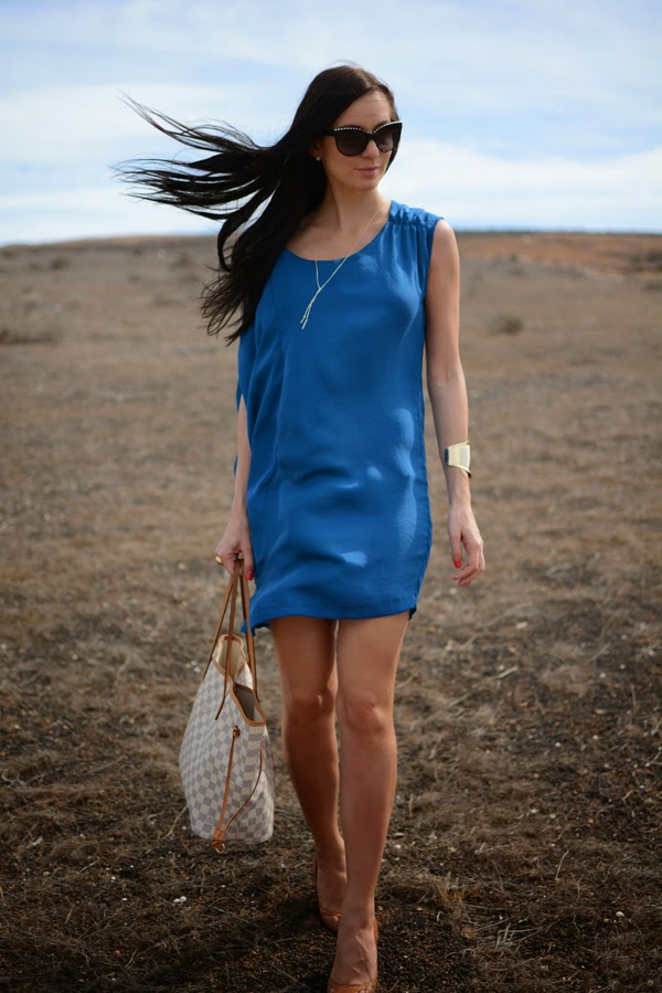 Outfit_Holiday_LouisVuitton_Beach_Azur_Blue_Summer_Dresses_001