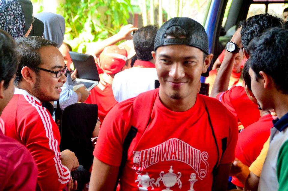 Pemain Bola Sepak Kelantan ni Ler Plajar Uum Semangat Tggu Pemain Bola Sepak Kelantan
