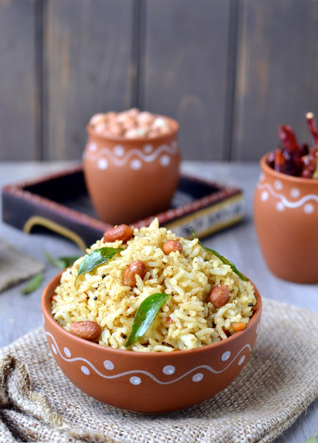 Puliyodarai (Tamarind Rice With Spice paste)