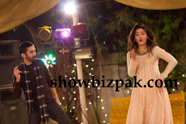 Mahira Khan Wedding Photos http://www.showbizpakblog.com/2012/01/mahira-khan-dancing-at-wedding.html
