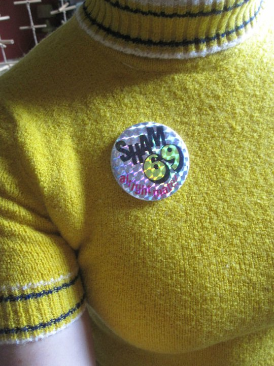 vintage gogo girl brooch , slobster brooch , Generation X badge , Sham 69 badge 1960 60s 1970 70s punk pin pinback button plastic