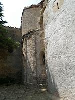 Detall de l'absis de l'església de Sant Quirze Safaja
