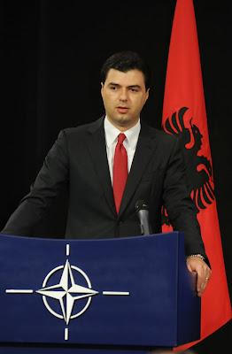 Lulzim Basha è il nuovo sindaco di Tirana