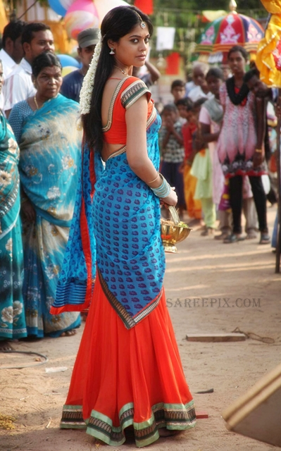 Bindu-madhavi-half-saree-Desingu-Raja-tamil-movie