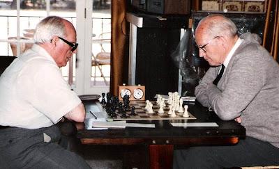 Partida de ajedrez Ferran Ros - Ángel Ribera en el Campeonato de Cataluña de Veteranos 1988