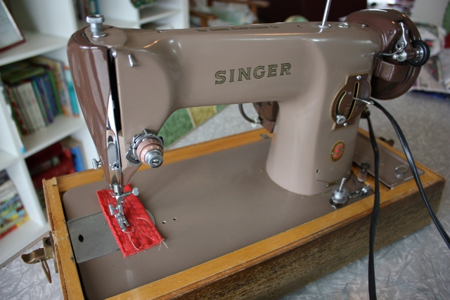 Alice Jean's Singer Sewing Machine On Ebay Unique Ebay Singer Sewing Machine