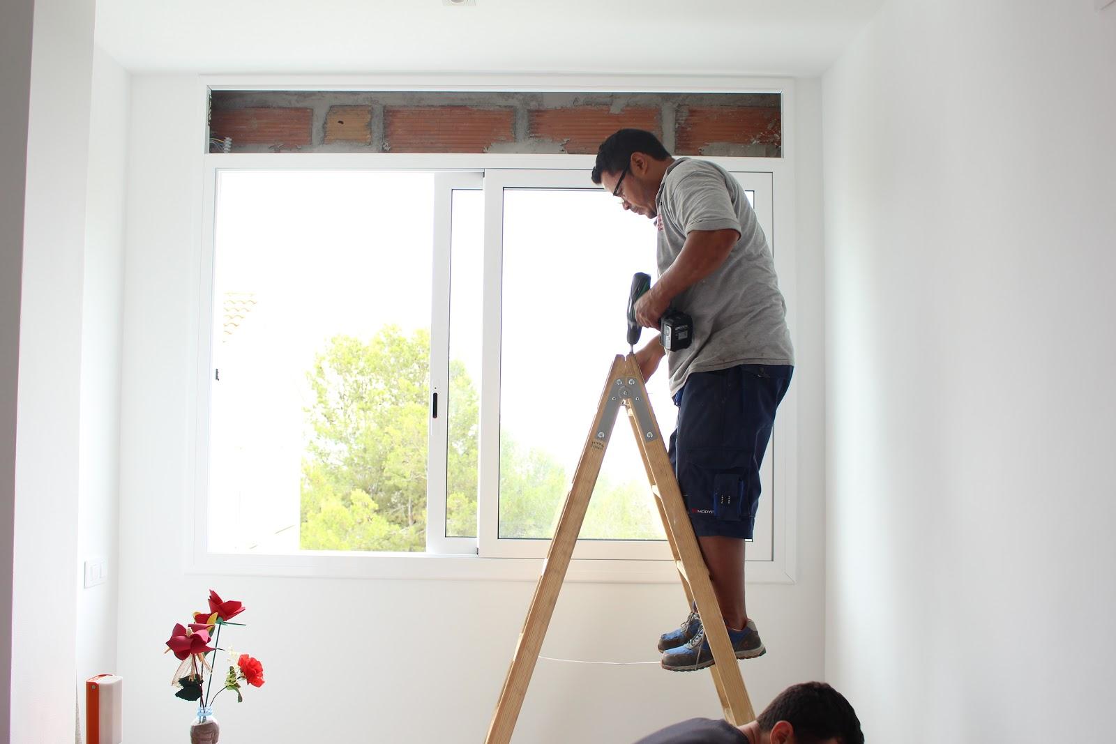 Persiauto instalaci n persianas supergradhermetic for Instalacion de ventanas de aluminio