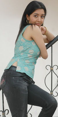 KRITHIKA KRISHNAN HOT STILLS IN JEANS hot photos