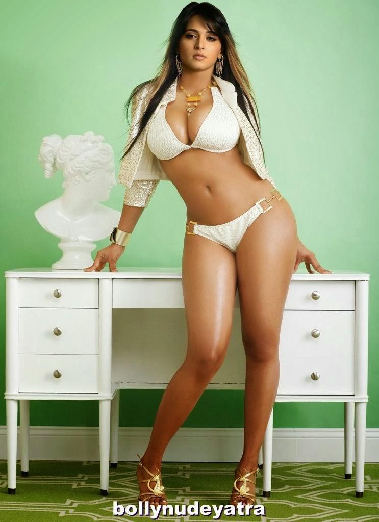 Anushka Shetty Bikini ~ Tamil Celebrity Hot News