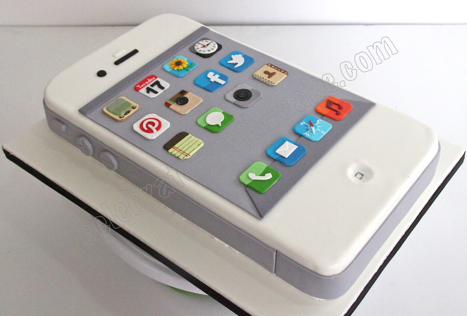 Edible Cake Images Iphone : Celebrate with Cake!: iPhone Cake