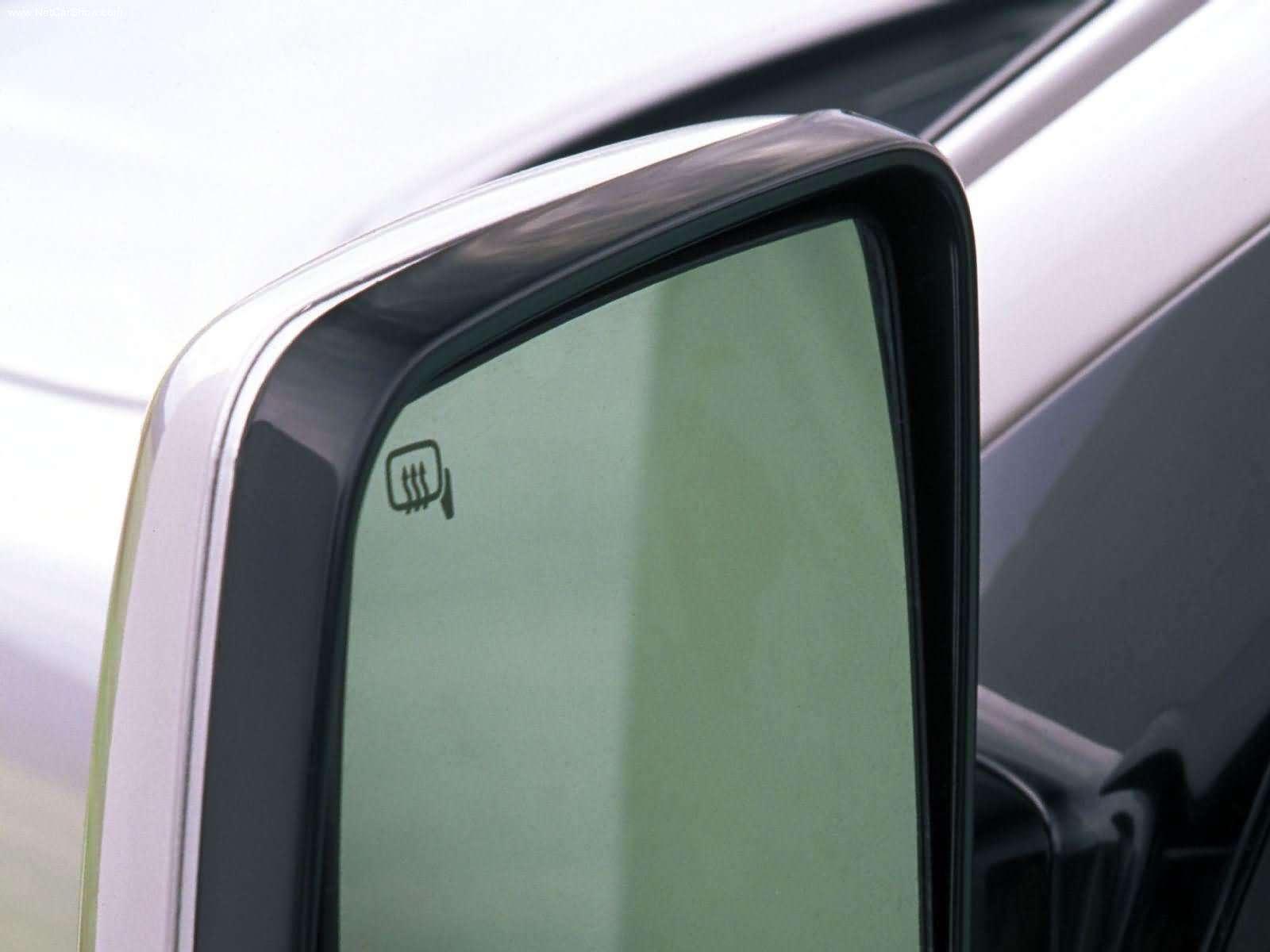 Hình ảnh xe ô tô Lincoln Aviator 2003 & nội ngoại thất