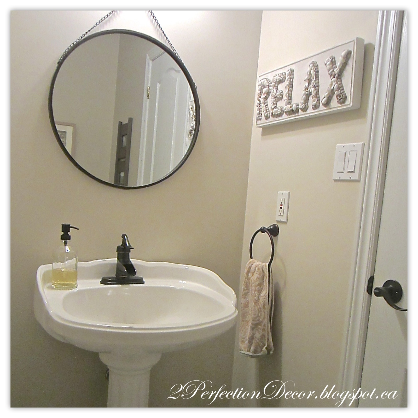 2Perfection Decor: Powder Bath Updates