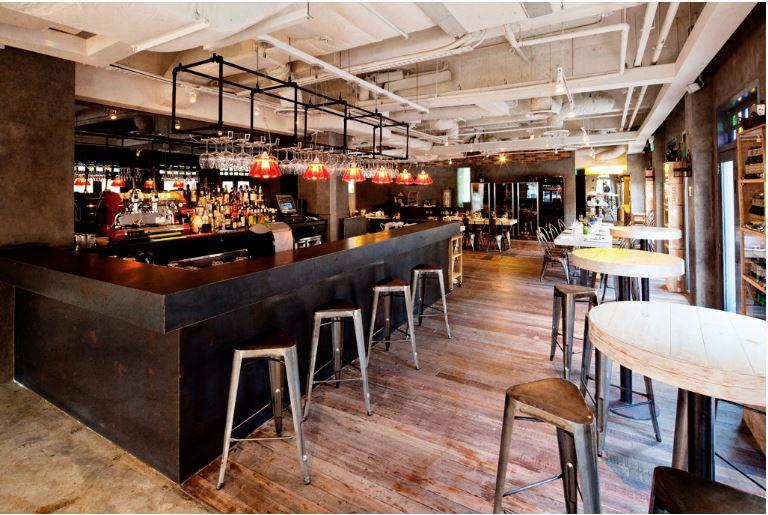 Doos interiorismo cocotte restaurante en singapur - Restaurantes de diseno ...