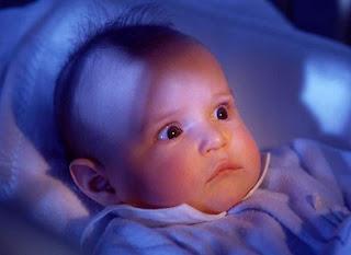 إخافة الطفل بالله عز وجل Enfant-peur