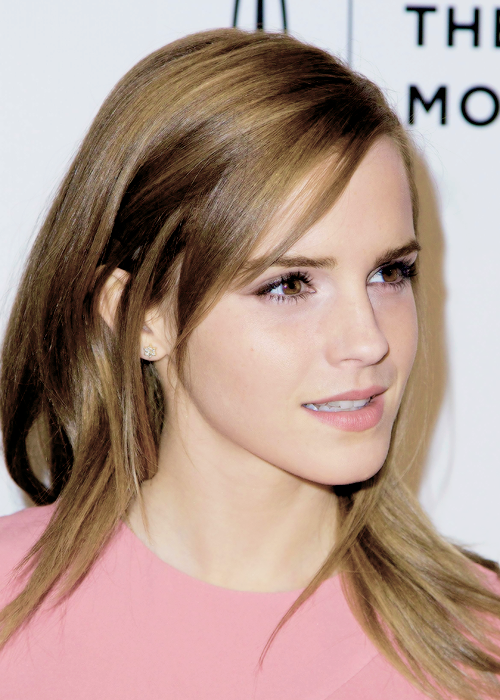 Get the Look: DIY Emma Watson by Beauty Time with Daniela ...