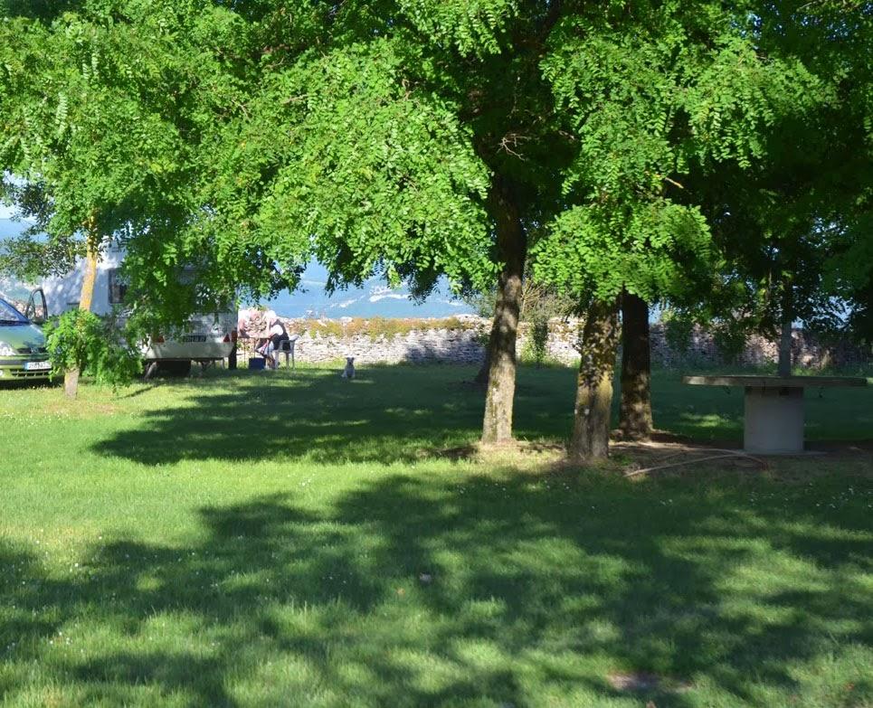 La ch vre verte camping a la ferme for Camping au jardin de la ferme