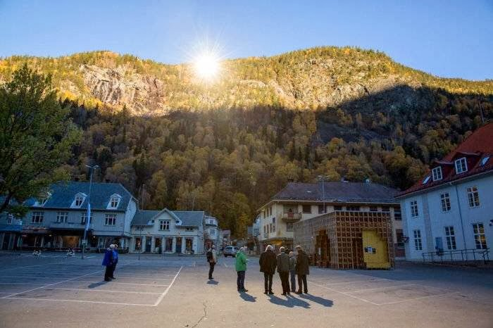 Norwegian town uses giant mirrors to combat the winter darkness