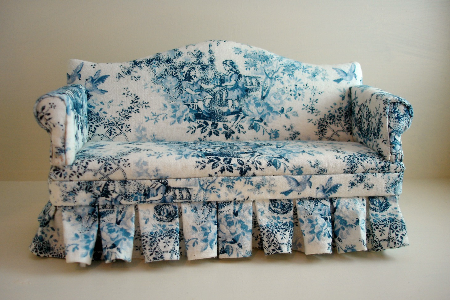 Peach Blossom Hill A Rose Chaise And Blue Toile Sofa