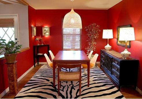Red Has Been Used For Centuries To Decorate Great Dining Halls Or Dining  Rooms In Grand Houses. This Effect Will Be Even More Striking If White Is  Used To ...