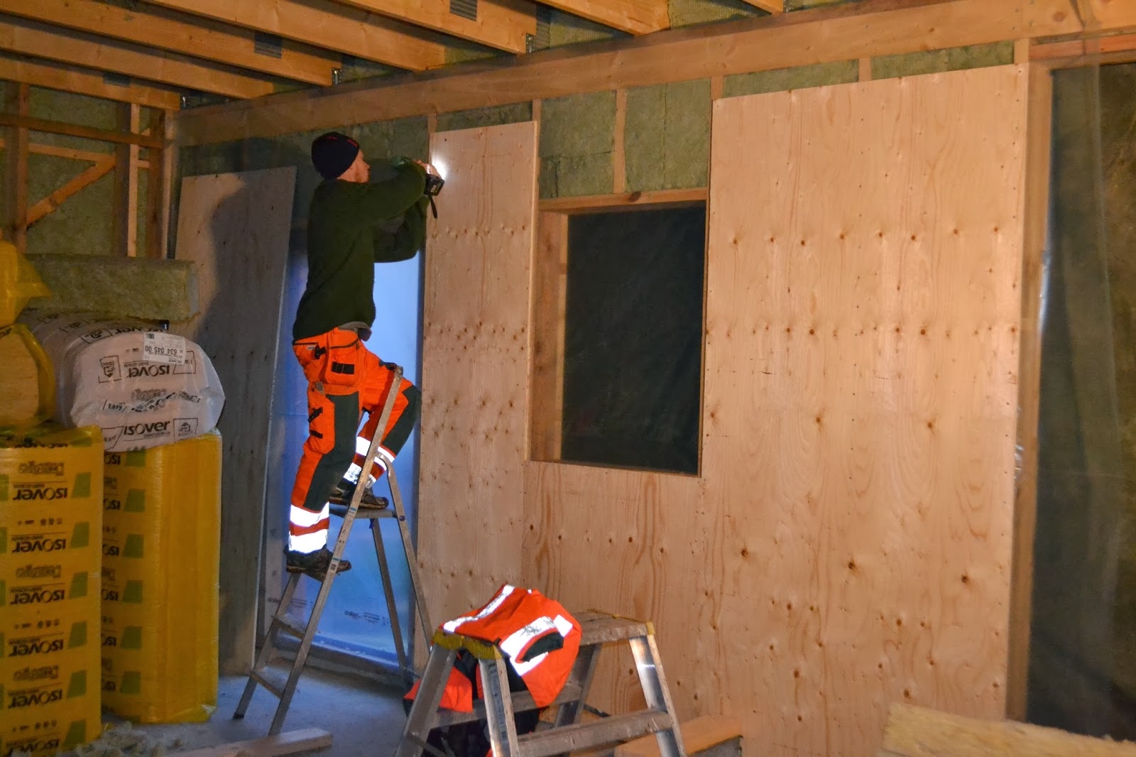 Husbygge i Löten: oktober 2013 : garagedörrar : Inredning