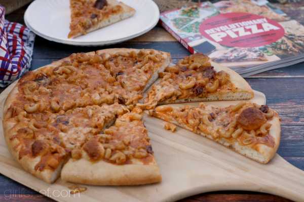 Smack 'n Cheese Pizza for the Revolutionary Pizza blog tour via @girlichef