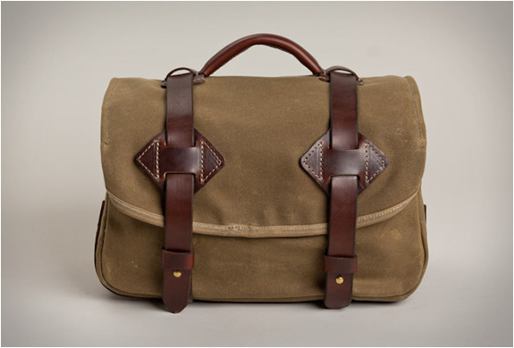 FIELD CAMERA BAG | BY TANNER GOODS | LEATHER BAGS