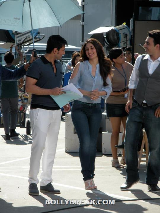 Kareena Kapoor in bangkok with saif ali khan - Saif & Kareena in Bangkok on the sets of an ad shoot