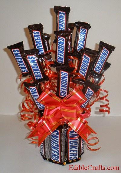 http://ediblecraftsonline.com/candy_bouquets/cb45/index.htm