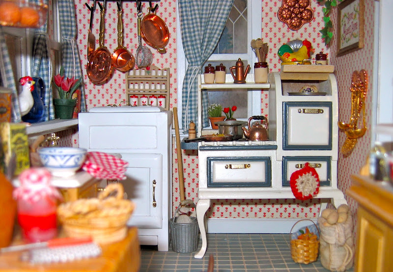 miniature victorian dollhouse click to see the previous post victorian  title=