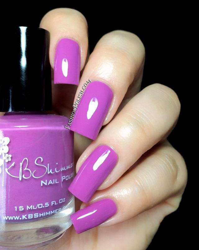 Сиренево фиолетовый маникюр фото