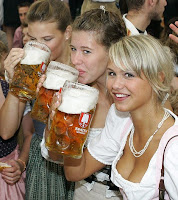 Oktoberfest girls drinking