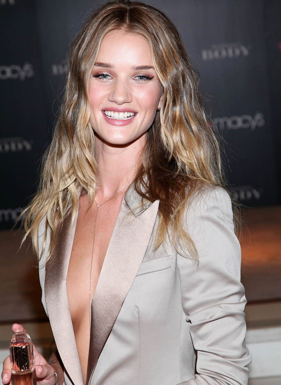 Rosie Huntington Whiteley Looks Hot in Satin Knee Length Dress