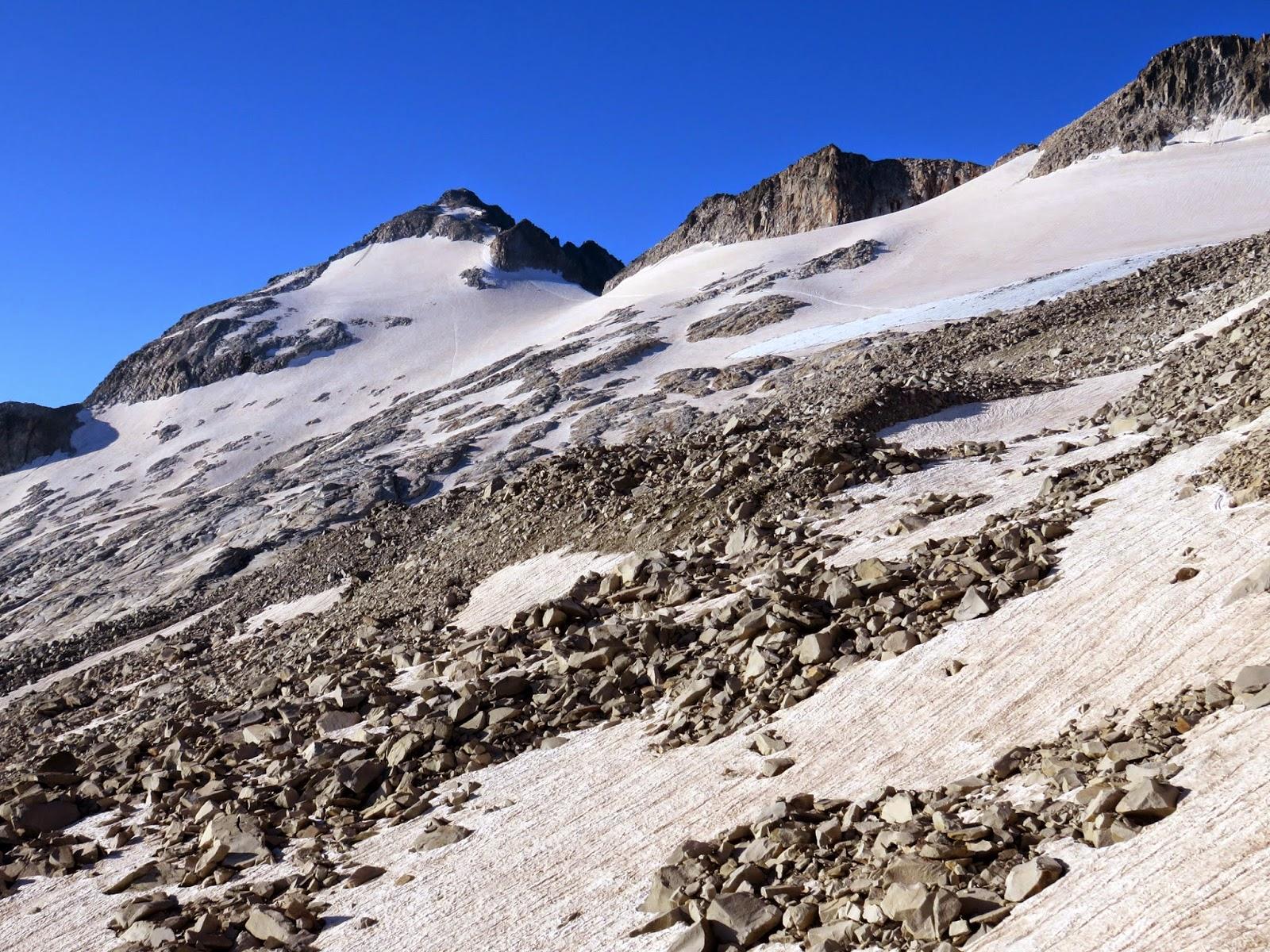 Pico Aneto y Glaciar del Aneto desde Portillon Superior