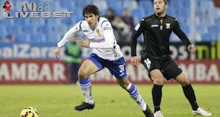 Liputan Bola - Klub raksasa asal Spanyol, Real Madrid resmi mendapatkan salah satu wonderkid timnas Spanyol yakni bek tengah Real Zaragoza, Jesus Vallejo, Jumat (31/7/2015) pagi waktu setempat.