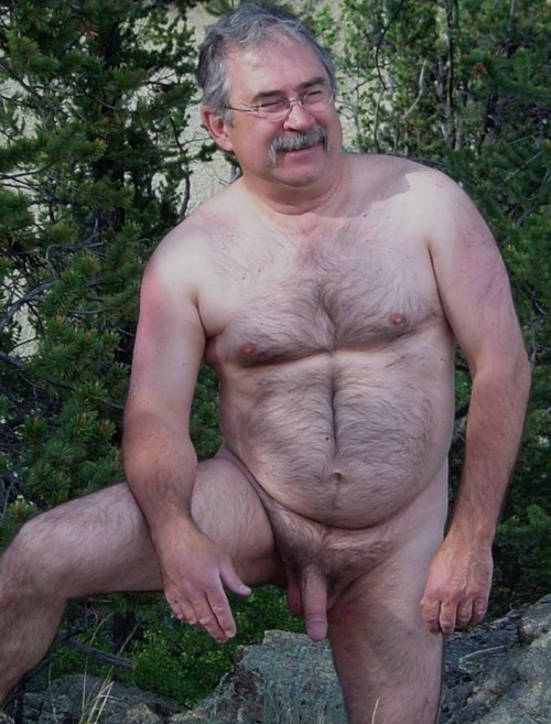 Hairy Gay Mature Daddy