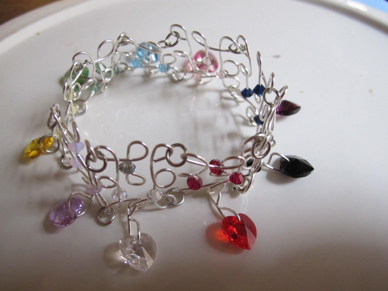 Naomi\'s Designs: Handmade Wire Jewelry: Wire wrapped filigree ...