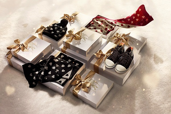navidad y siempre son los mismos y nunca coinciden con el gusto de tu chico hoy te traemos una lista con posibles regalos navideos originales para