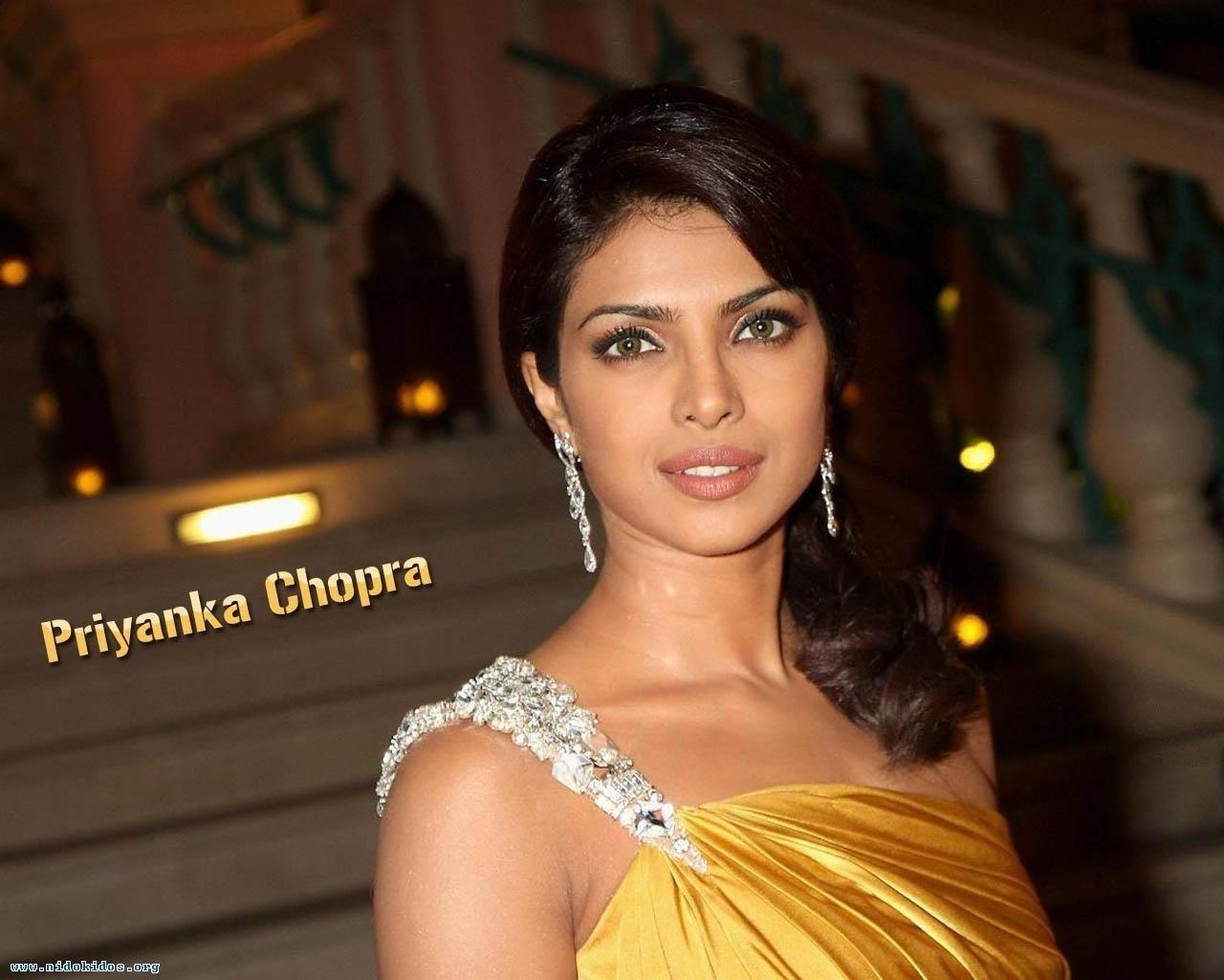 Bollywood Amaze  Priya...