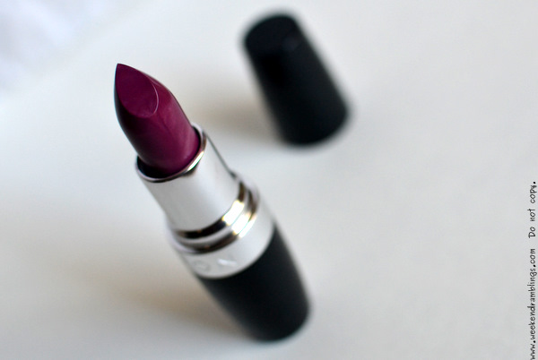 Avon Ultra Color Rich Moisture Seduction Lipstick Plum Gorgeous Swatches Photos FOTD Review Indian Beauty Makeup Blog