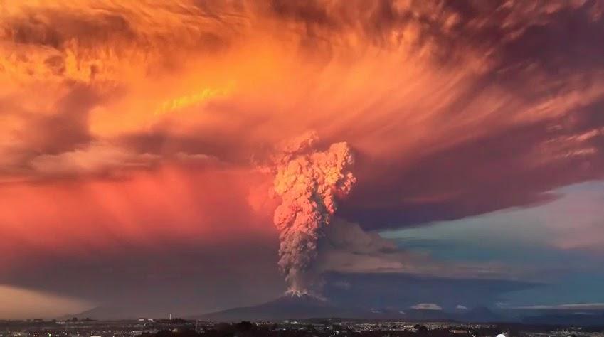 Şili'de Volkan Patlaması: Time Lapse Video